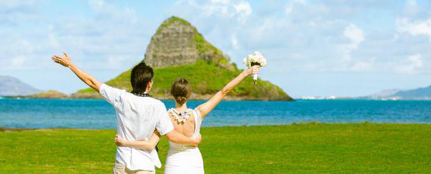 会費制結婚式やリゾートウエディング、前撮り・指輪を検討しているならお得